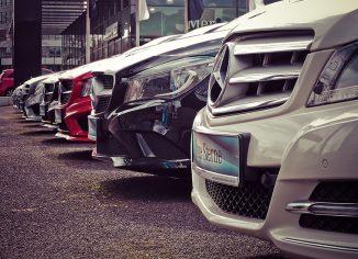 Avtomobili v vrsti